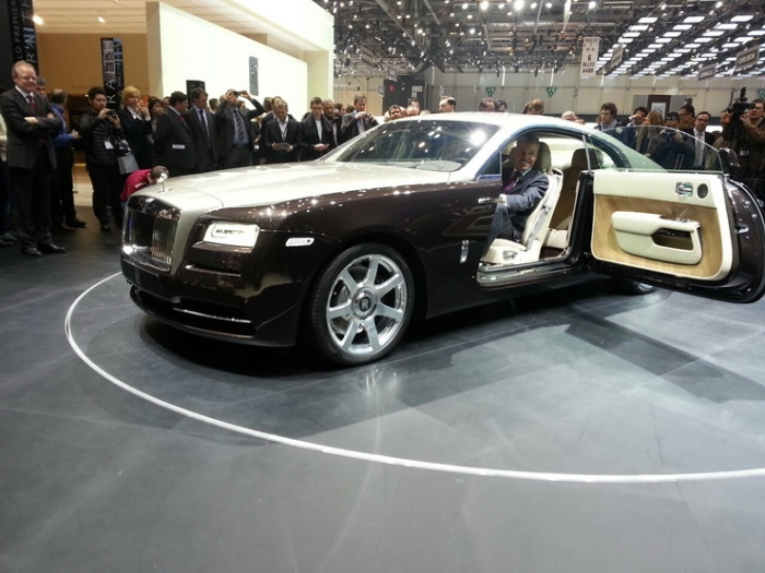 Rolls-Royce-Wraith-geneva-motor-show-live-2_resize