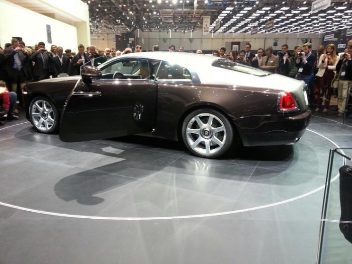 Rolls-Royce-Wraith-geneva-motor-show-live-3_resize