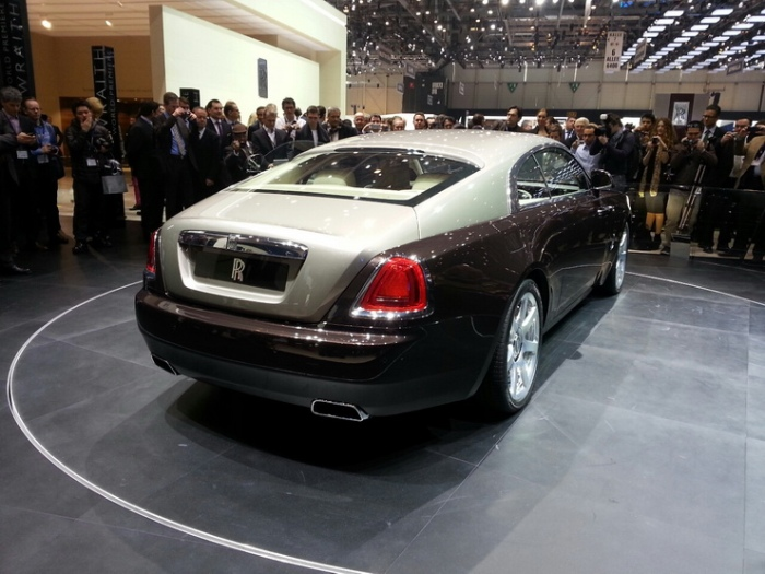 Rolls-Royce-Wraith-geneva-motor-show-live-6_resize